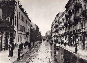 1024px-Ulica_Nowolipki_1935