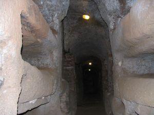 800px-Catacombe